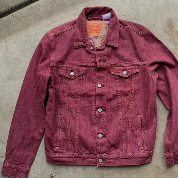 NWT levis denim jacket red men's trucker jean